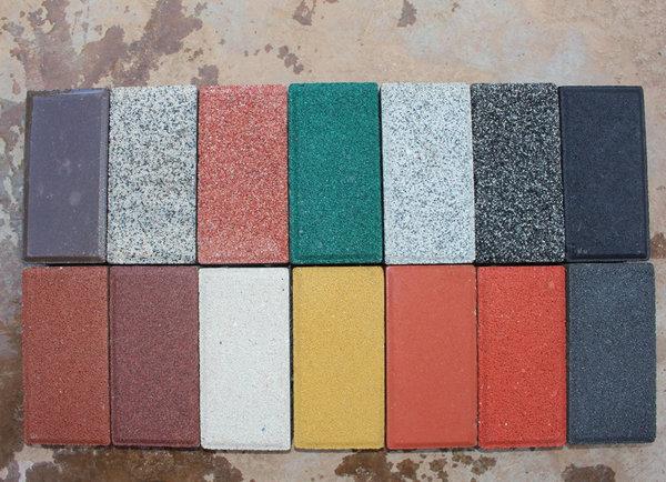 河南仿石材pc磚中的彩色透水磚在使用過程中有哪些優點?
