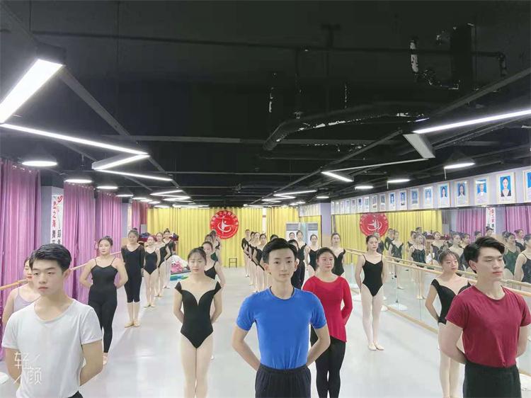 郑州拉丁舞艺考前准备好这四点,可以减少您的失分