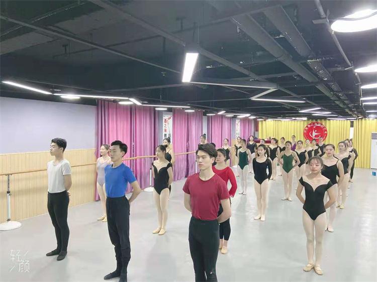 学习舞蹈的9大好处,郑州中国舞高考培训老师带你了解一下