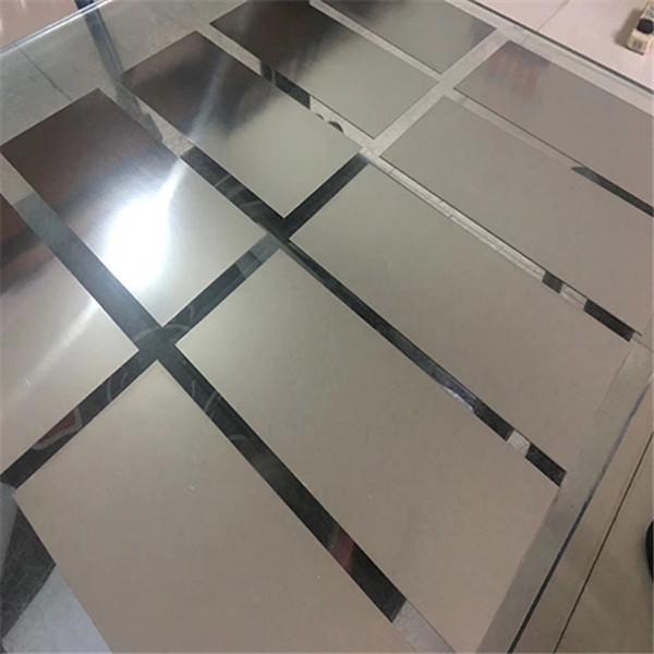 钛板厂家的小编要给大家分享的是钛板加工工艺过程中毛坯制备过程