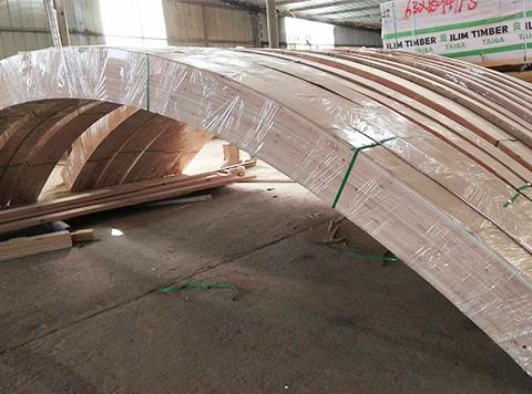 胶合木曲梁