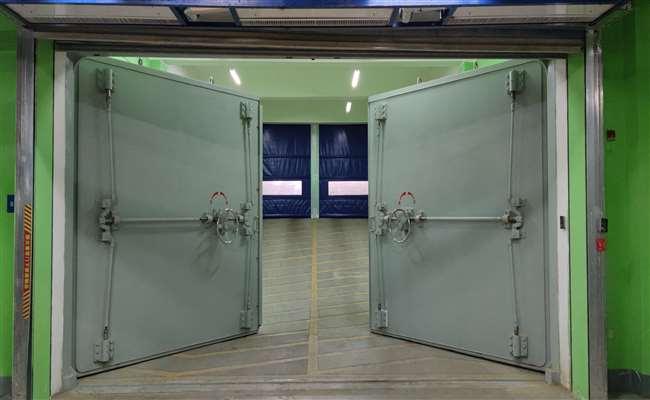 双扇防护门