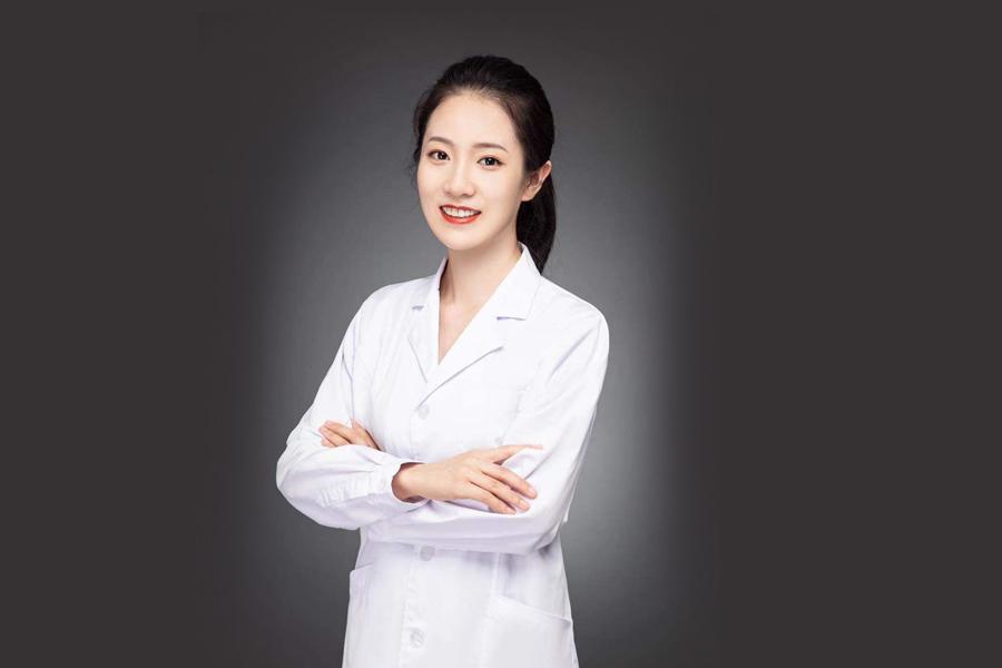 赵文静  牙周医师
