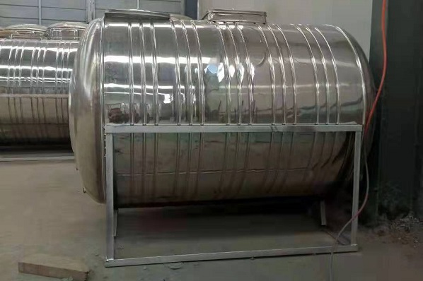 银川不锈钢保温水箱