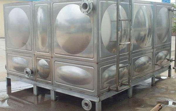 玻璃钢水箱在早期和后期的使用中存在一些需要注意的问题