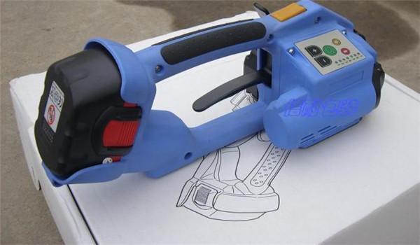 要注意塑钢带在存放和使用的时候一定要避免挤压碰撞哦!