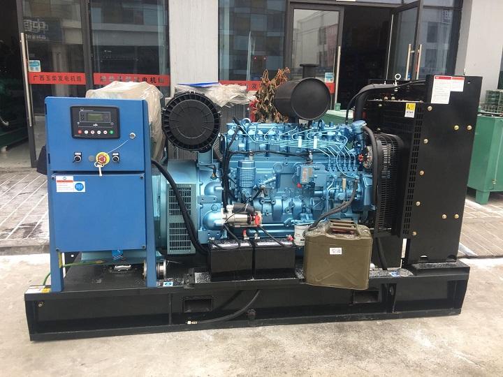 西安柴油发电机总代为榆林横山郑总提供100KW潍柴原装发电机组