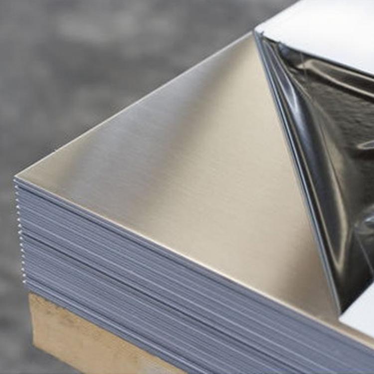 成都不銹鋼板的基本特點
