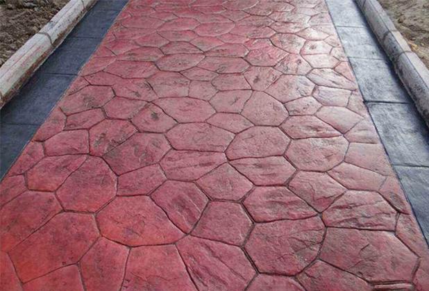 浅析成都压印混凝土!压模地坪的养护以及使用材料