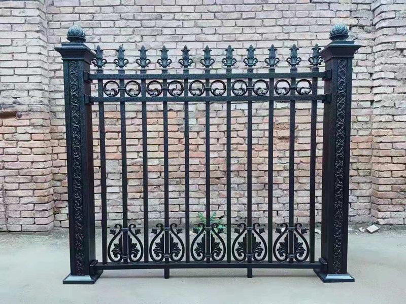 铁艺围栏安装