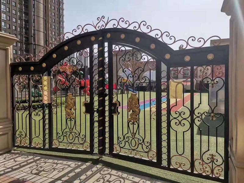 铁艺围栏安装案例