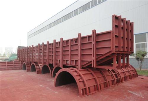 如何养护桥梁钢模板?