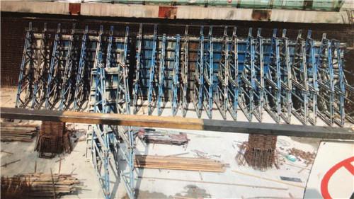 陕西公路钢模板上海电气化公司地铁五号线侧模施工现场