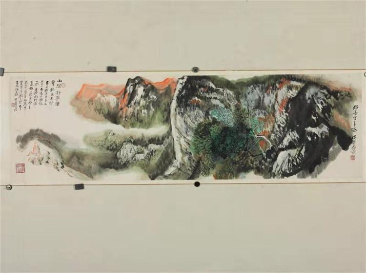 长安画派创始人之一何海霞青绿山水尺寸152*45。