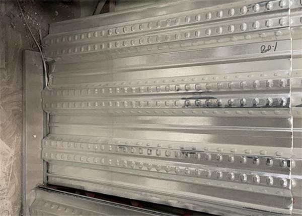 标准型钢筋桁架楼承板和装配型钢筋桁架楼承板有哪些区别呢?