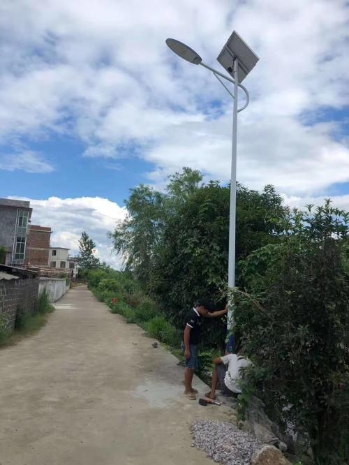 三百里科技太阳能路灯