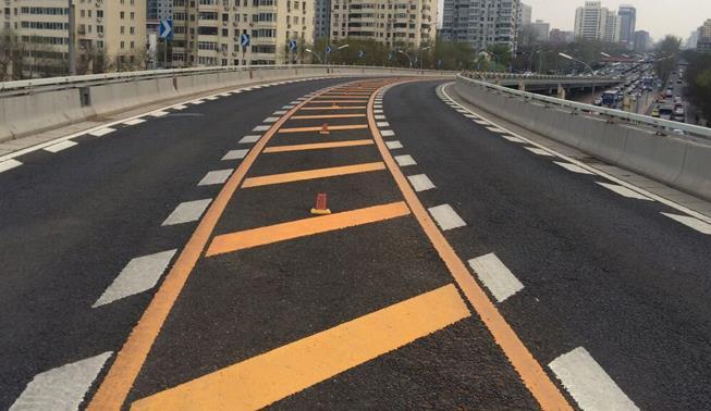 马路划线漆施工时应该注意什么事项呢?