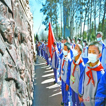 """【新疆是个好地方】新疆红色旅游景区实力""""圈粉"""""""