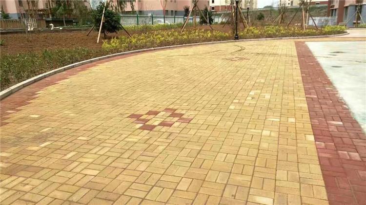 西安通体透水砖施工