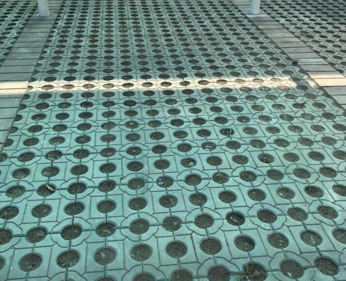 那么陕西透水砖有哪些优势呢?