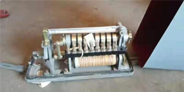 直流电锁器