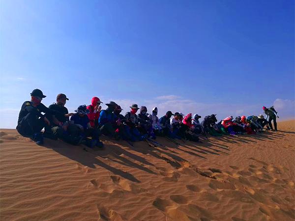 沙漠徒步2