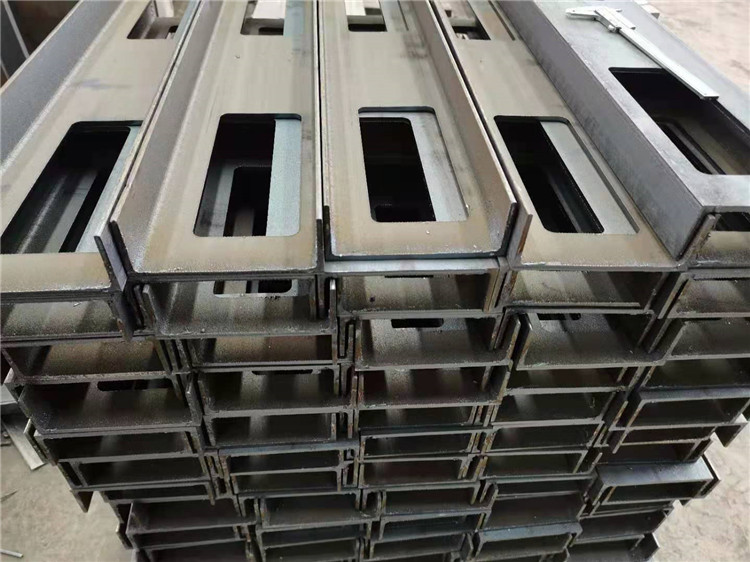 选购铝型材切割机需要考虑哪些因素?