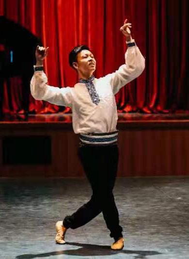 张修凡-卓乐艺考舞蹈教师