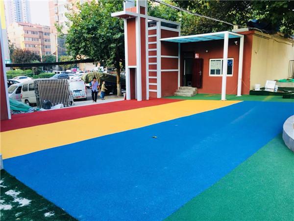 学校门口七彩彩色防滑路面