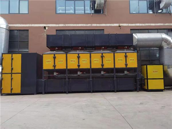 在日常的使用中,河南除尘设备的保养工作必不可少