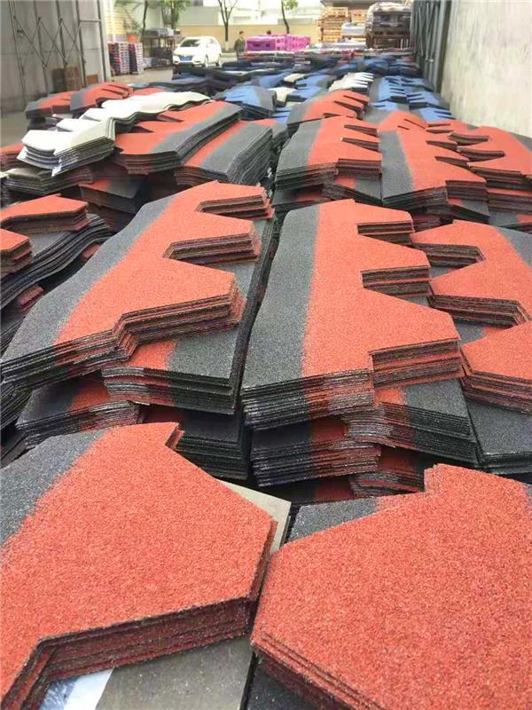 果洛沥青瓦--轻钢别墅节能材料