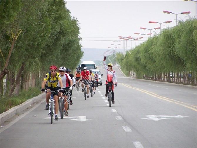 敦煌自行车旅游