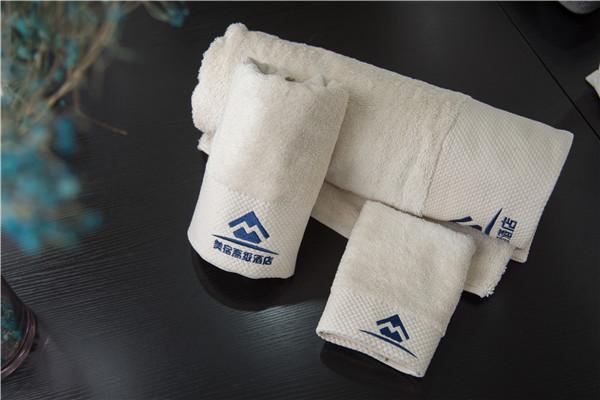 今天给大家分享下酒店布草的毛巾变硬要怎么处理呢?