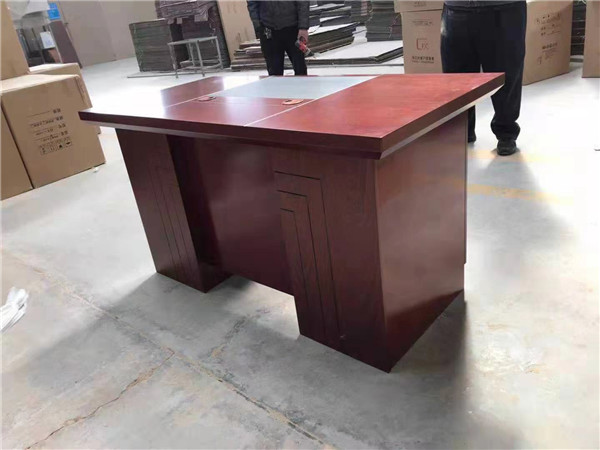 一起去了解下办公桌椅和普通办公桌椅的区别