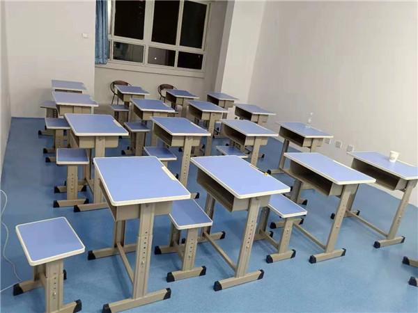 陕西课桌椅厂家