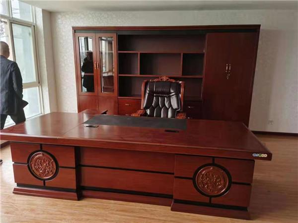 给西安某公司提供办公家具