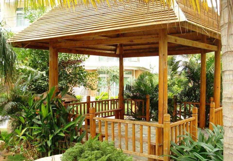 阳台装修选用成都防腐木木材有什么好处?
