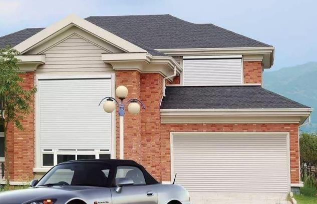 维修车库门的频率,确保您的电动车库门不会出现故障。以下是一些注意事项。
