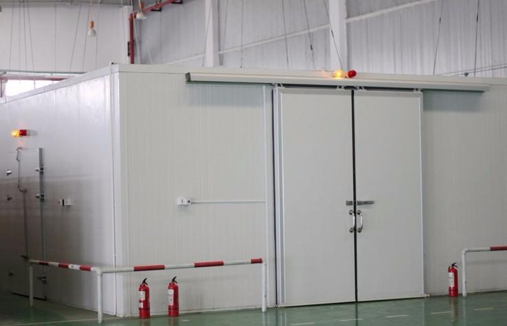 成都小型冷库地面适合铺设什么地坪材料?