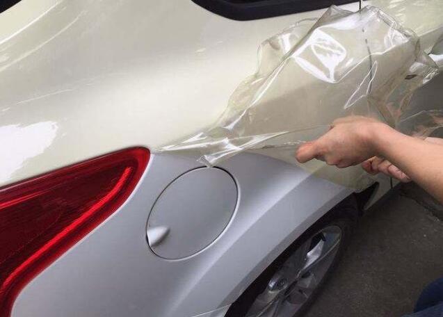 汽车贴膜店的贴膜服务有哪些技术优势?