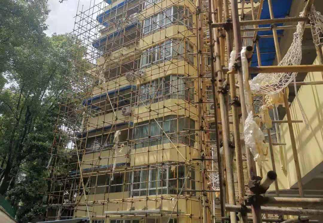 外墙翻新施工现场