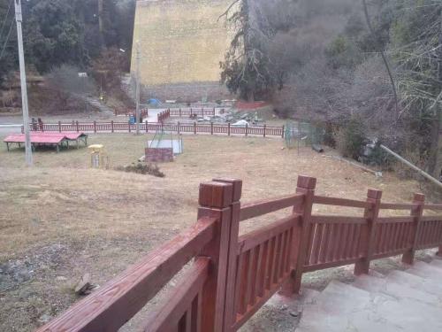 浅析仿木栏杆在园林中的作用和意义!