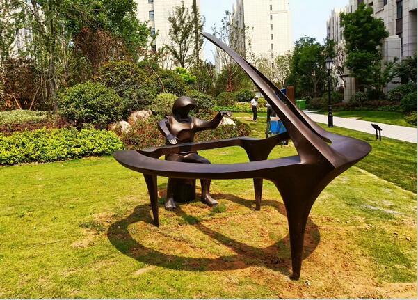 河南郑州锻铜雕塑