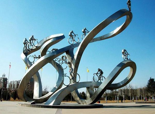 小编带大家了解下:河南不锈钢雕塑的优势: