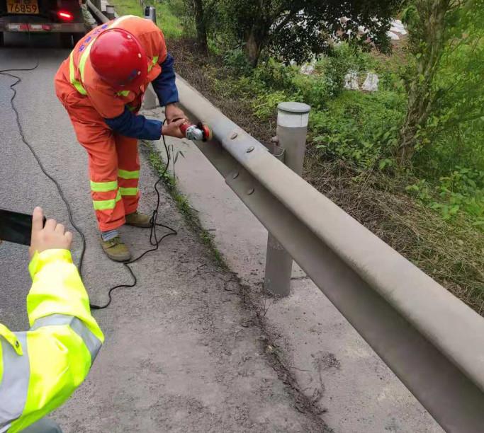 景区公路护栏板翻新厂家