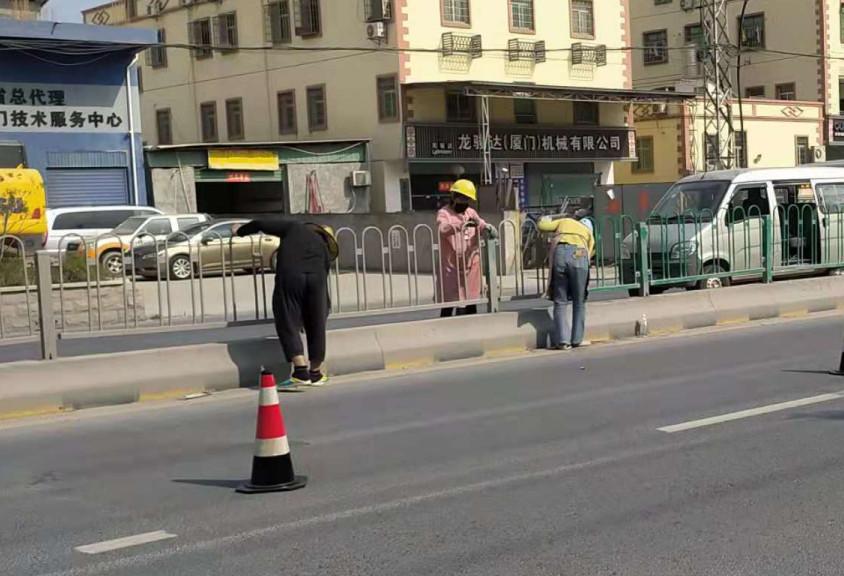 交通护栏翻新厂家