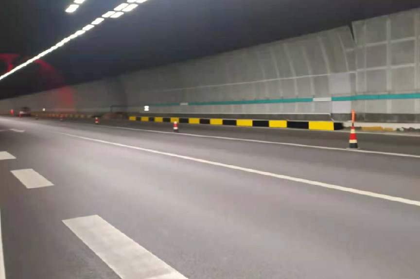 定期进行维护市政道路护栏要注意的2个要点