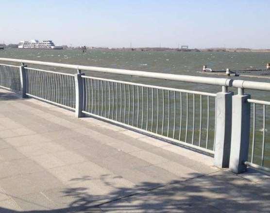 选择桥梁护栏应该注意些什么?