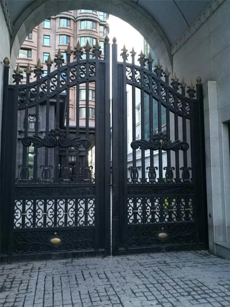 西安铁艺护栏是怎么安装的?