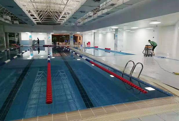 四川游泳池地面防滑处理成功案例